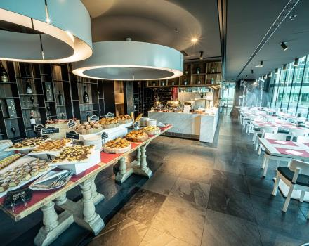 Taste and energy in our hotel''s breakfast buffet in Padua