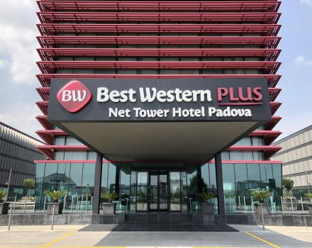 Discover all the comfort, design and services of Net Tower Hotel, 4 -star in padua east.