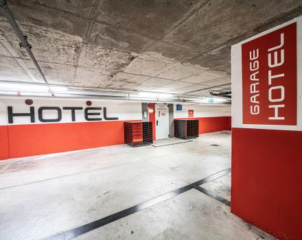 Go to Padua by car and park in the garage of our 4-star hotel